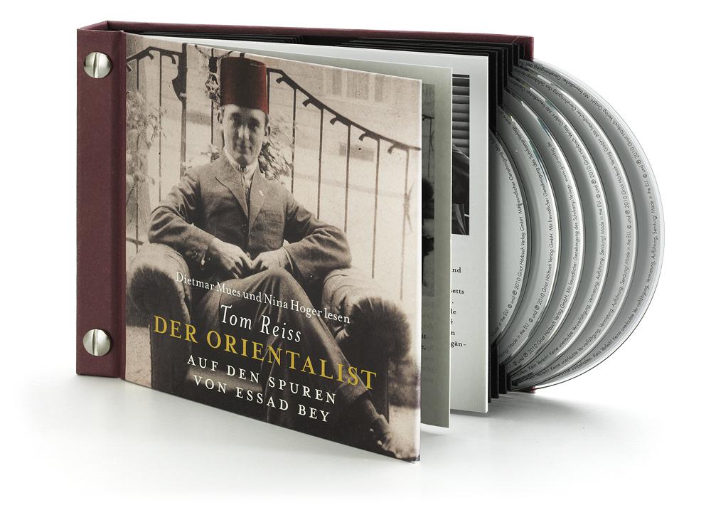 Aufwändiges Hardcover mit Buchnägeln und Booklet
